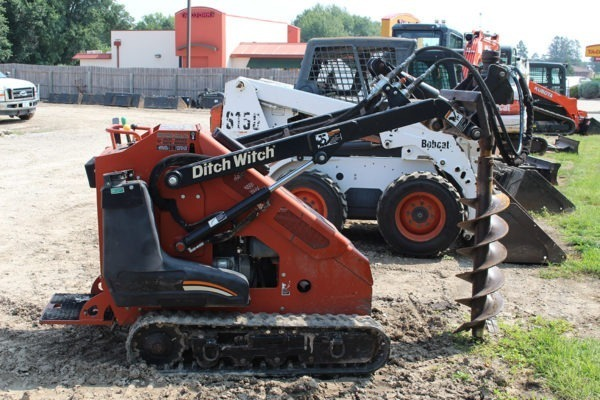 Ditch Witch Post Hole Digger